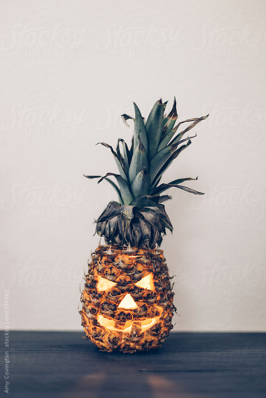 Halloween pineapple-o'-lantern by Amy Covington