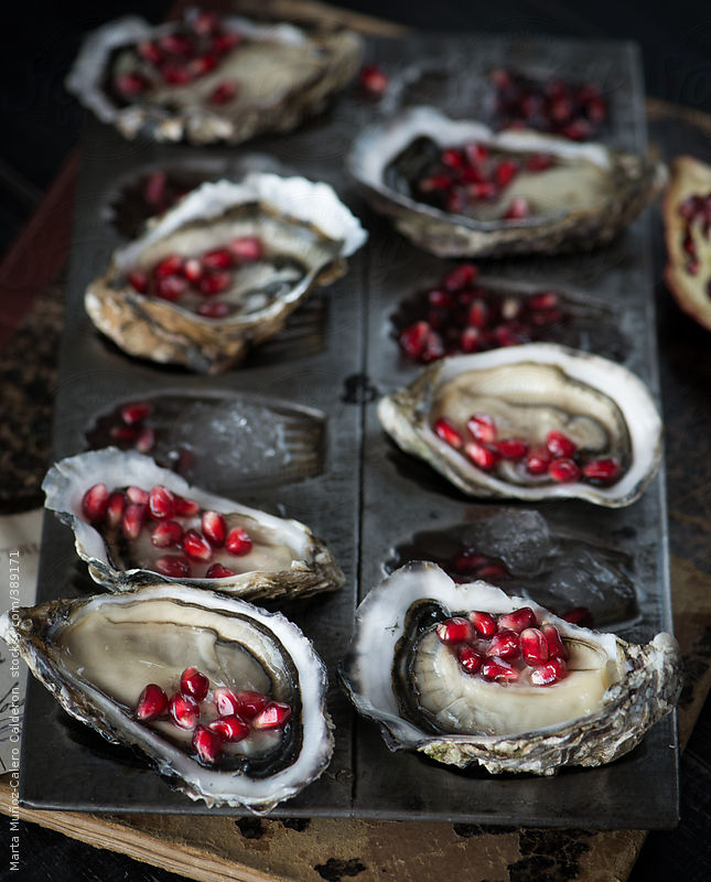Oysters with fresh pomegranate by Marta Muñoz-Calero Calderon
